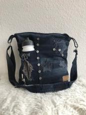 Upcycling Handtasche aus blauem Jeansstoff